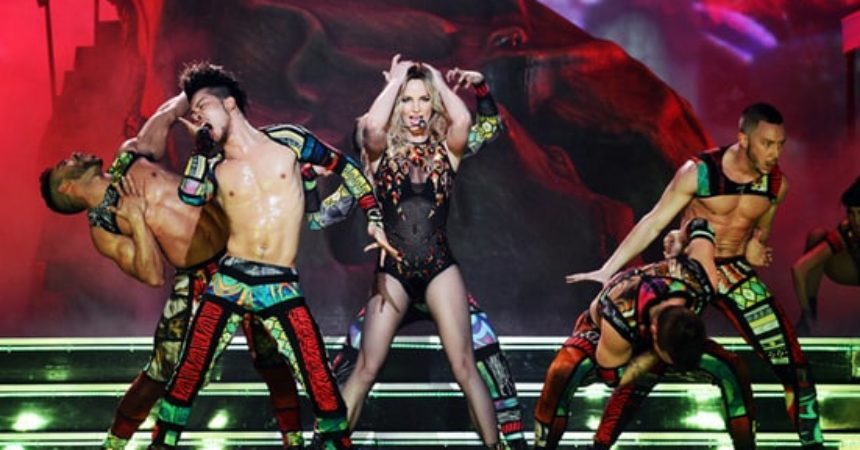 rs-13916-131228-britneyspears-624x420-1388252842.jpg